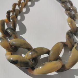 collar marmolado